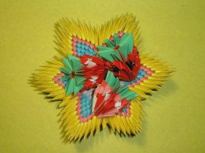 Земляничка из оригами